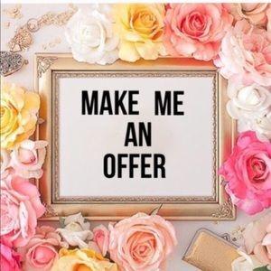 MAKE ME AN OFFER 😁😁